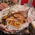 烤花枝(イカのワタ入り銀紙包み焼き),599日圓,用錫箔紙包花枝和花枝的內臟一起烤