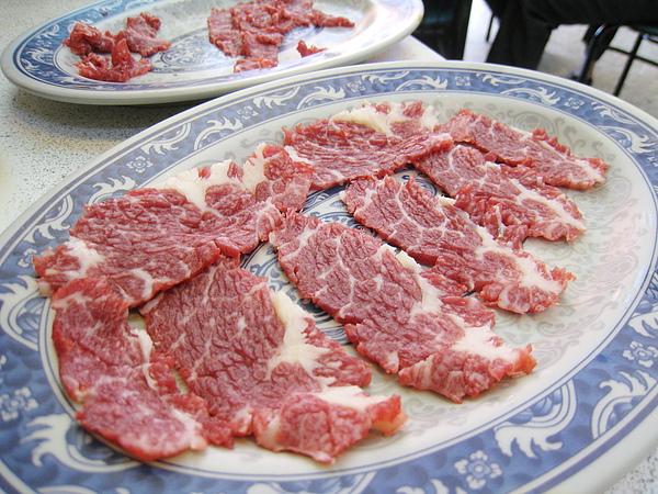 可能是我們被肥美的黑毛和牛寵壞了,黃牛肉相對顯得太清淡