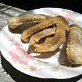 大白不喜歡這種皮多肉少還帶膠質的食物,我樂得在台南一人獨享五支