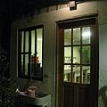 這扇是連結陽台和廚房的門