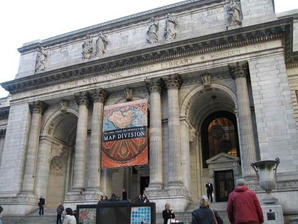 紐約市立圖書館,電影明天過後主角避難的場所