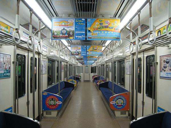 市原這個小站有多荒涼冷門,看回程空蕩蕩的電車就知道