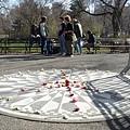 中央公園裡紀念約翰藍儂的Straberry Field