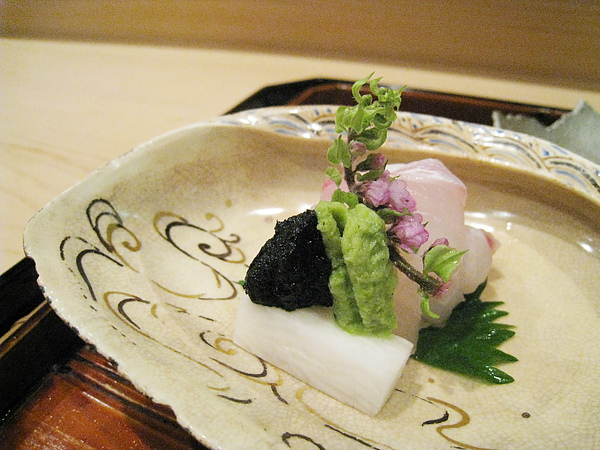 鯛魚生魚片+海苔醬+山藥