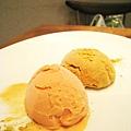 大白的甜點:番茄冰淇淋(!?)和黃豆粉冰淇淋