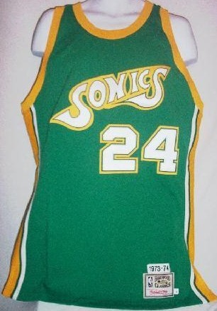 320_Supersonics-_1973_Spencer_Haywood_Supersonics_Rd_jersey.jpg
