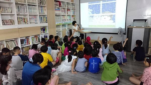 1060429劉老師說故事_170502_0014.jpg