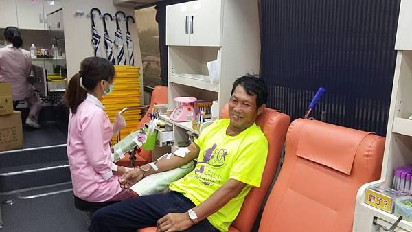熱心民眾捐血.jpg