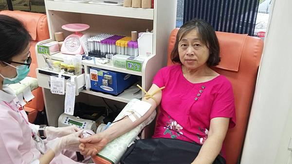 熱心民眾捐血4.jpg