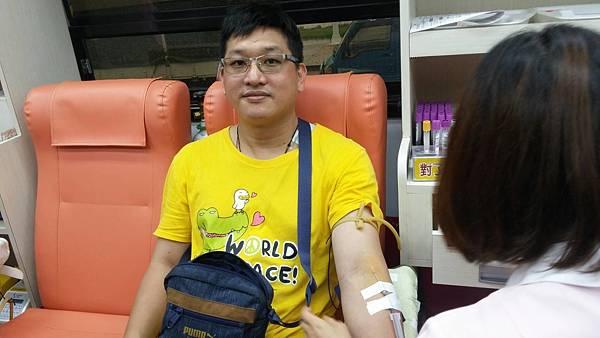熱心民眾捐血5.jpg