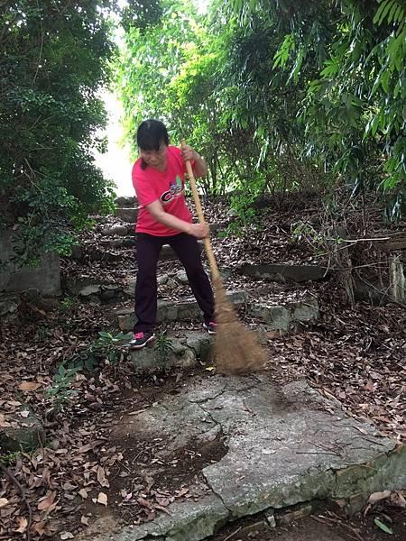527社區環境清潔公益活動_170705_0036.jpg