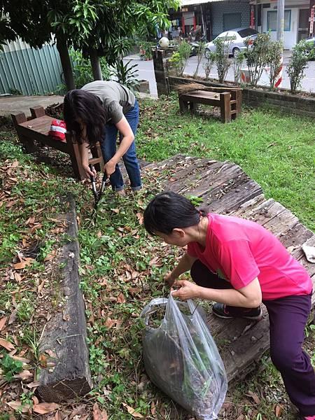 527社區環境清潔公益活動_170705_0040.jpg