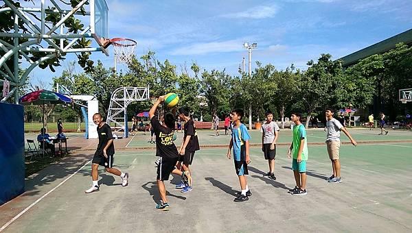 106.7.8暑期籃球三對三鬥牛賽_170802_0002.jpg