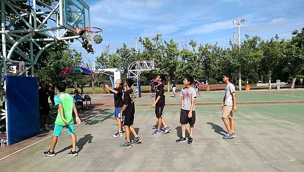 106.7.8暑期籃球三對三鬥牛賽_170802_0003.jpg