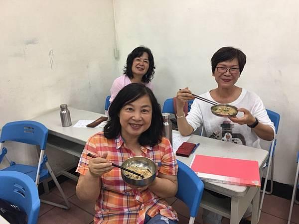 10758慶祝母親節秋雪分享大腸麵線_180511_0023.jpg