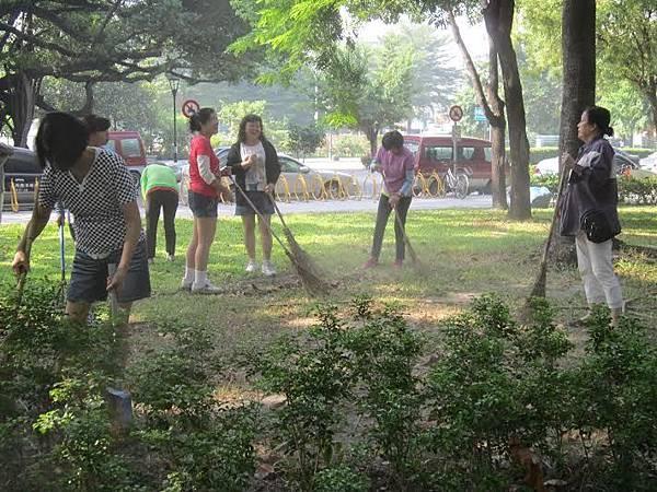 1030314 工青一隊「社區美化」 公園環保淨化活動-2