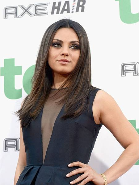 MILA-KUNIS-at-Universal-Pictures-Ted-Premiere-in-Hollywood-12