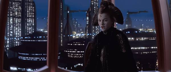 Star.Wars.Episode.1.The.Phantom.Menace.1999.1080p.BrRip.x264.BOKUTOX.YIFY.mp4_snapshot_01.32.35_[2015.12.15_15.01.46]