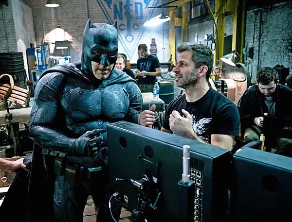 Batman-v-Superman-Empire-Photo-1.jpg