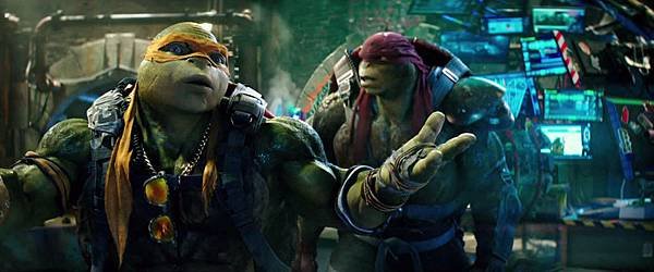 teenage-mutant-ninja-turtles-out-of-the-shadows-official-trailer-15042-large.jpg