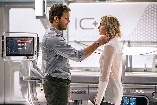rs_1024x683-160920055425-1024.passengers-chris-pratt-jennifer-lawrence-1.92016.jpg