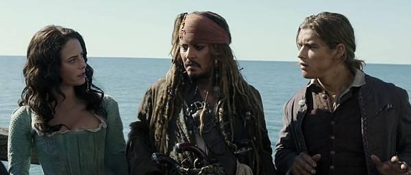 piratesofthecaribbean5-scodelario-depp-thwaites.jpg