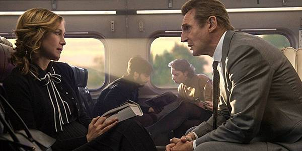 landscape-1505981749-liam-neeson-vera-farmiga-the-commuter.jpg