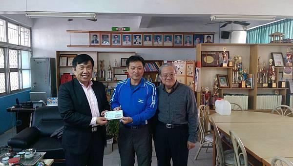 黃副執行長月明與吳總幹事建明拜訪惠農國小林衍伸校長
