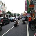 屏東市團委會陳育貴會長於市區宣傳捐血活動-3.jpg