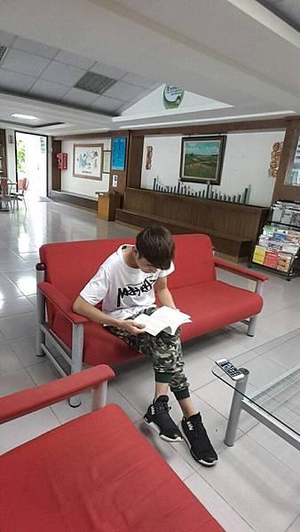 曾文青年活動中心青年書櫃換書