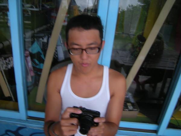老爹玩相機.JPG