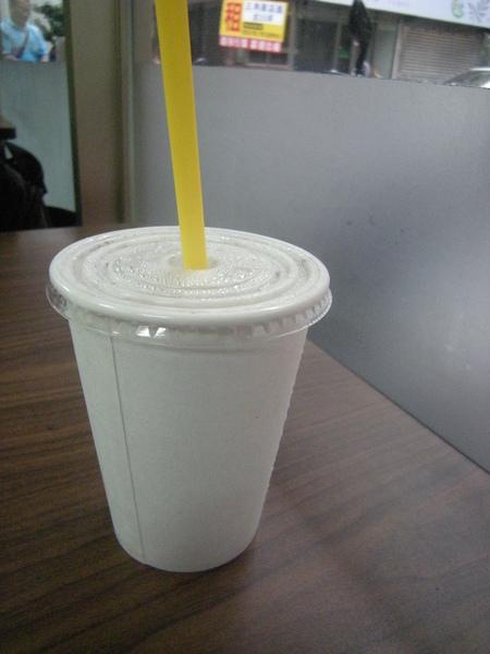 素色杯子很有品味.JPG