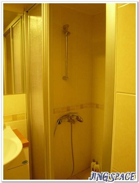 乾濕分離淋浴間.jpg