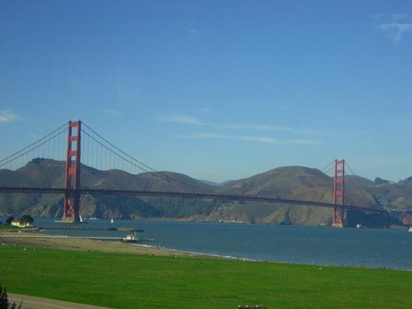 金門大橋就在遠方