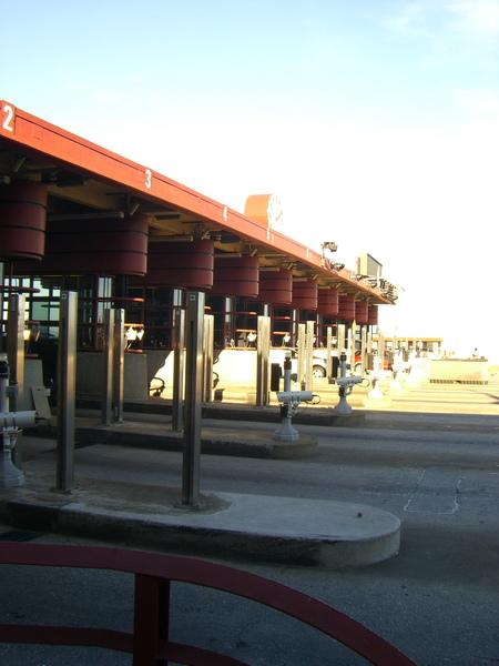 過橋收費站