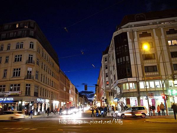 Friedrichstadt-Palast: SHOW ME  Friedrichstadt-Palast: SHOW ME 12