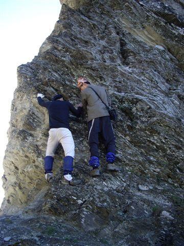 攀岩中.JPG