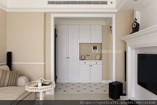 2張馨室內設計裝修裝潢美式優雅古典復古鄉村客廳玄關餐廳廚房格子門櫥櫃壁爐沙發.jpg