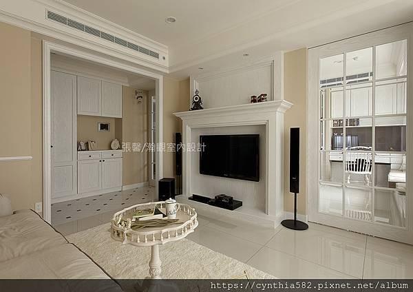 1張馨室內設計裝修裝潢美式優雅古典復古鄉村客廳玄關餐廳廚房格子門櫥櫃壁爐沙發.jpg