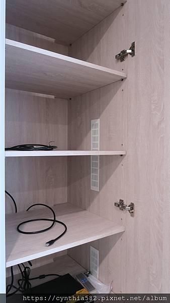 電視牆機櫃 (4).JPG