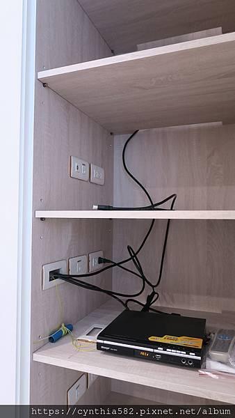 電視牆機櫃 (5).JPG
