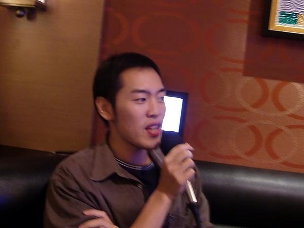 8. 正在唱瑤瑤的Honey.JPG