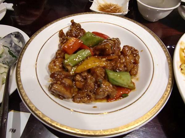 22. 非常嫩的左宗棠雞.JPG