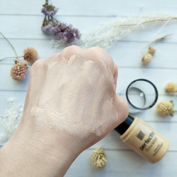UNT完美持久控油底妝系列-完美持久水波光粉底液