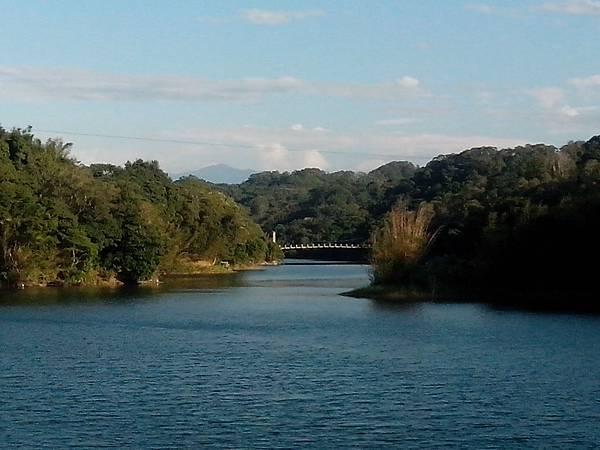 碧湖吊橋遠景