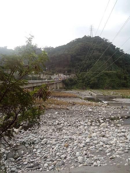 龍安橋下望出的景色