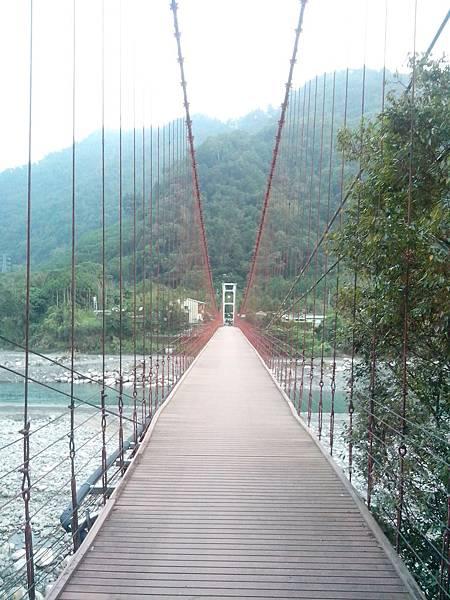 天輪白冷吊橋 (和平)
