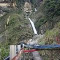 往瀑布的路徑