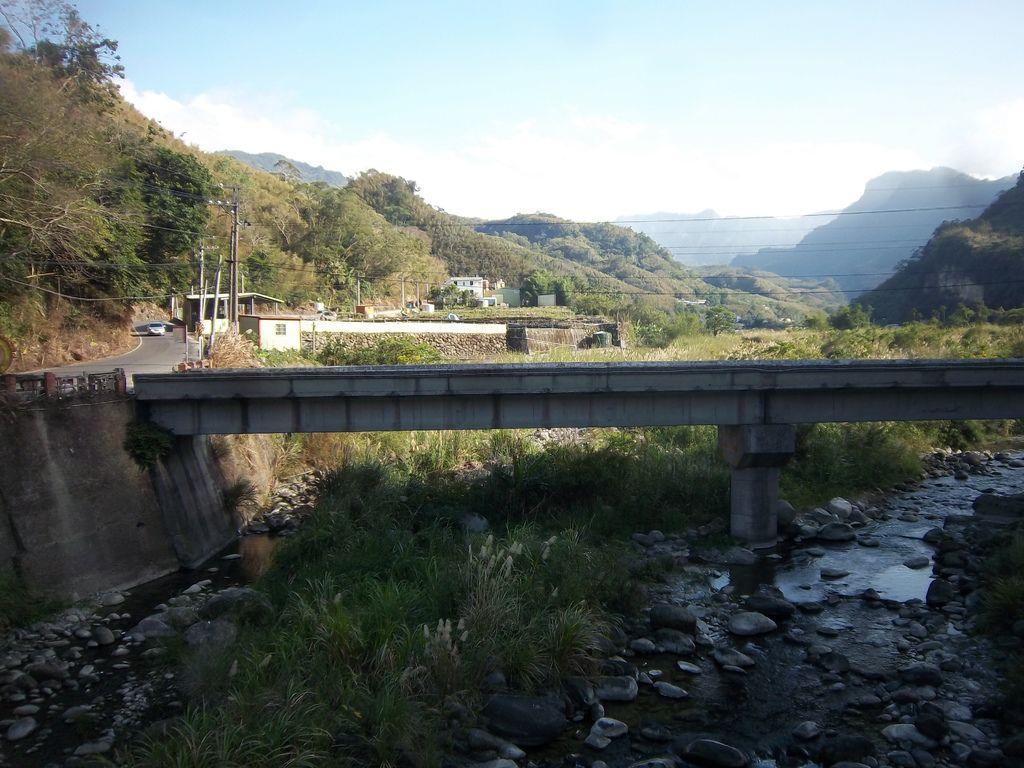 大湖溪上游與茄苳橋