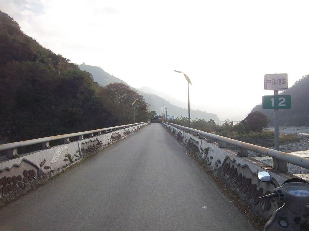 象鼻大橋 中象道路12K